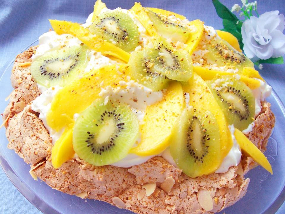 Pavlova de mango y kiwi